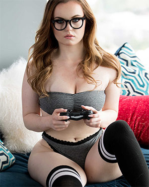 River Fox Sexy Gamer Girl