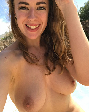 Rosa Brighid Selfies Real Bikini Girls