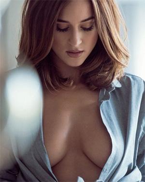 Rosie Jones Perky Tits Celeb