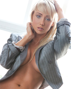 Sara Jean Underwood Nude Playmate