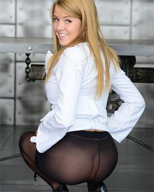 Sophia Winters Pantyhose