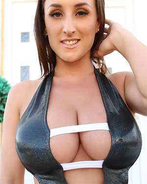 Stacey Poole takes some sexy holiday pics