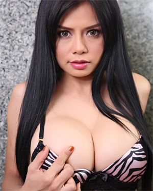 Susana Lovely Asian Boobs