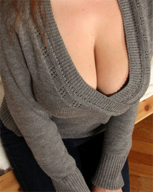 Suzie Sun Sweater Tits