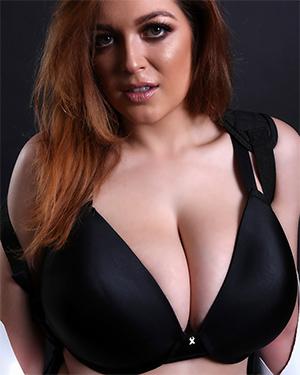 Tessa Fowler sexy trooper