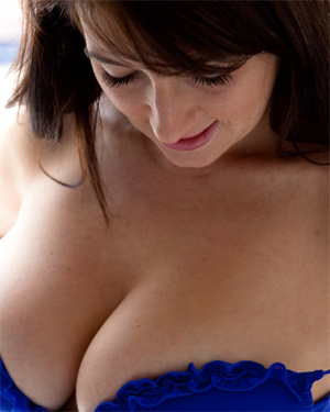 Tibby Muldoon Busty In Blue