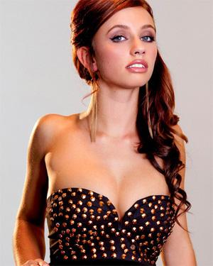 Victoria Lynn Shaved Pussy