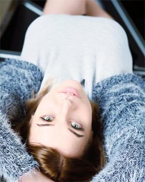 Vinture Cute Busty Suicidegirl