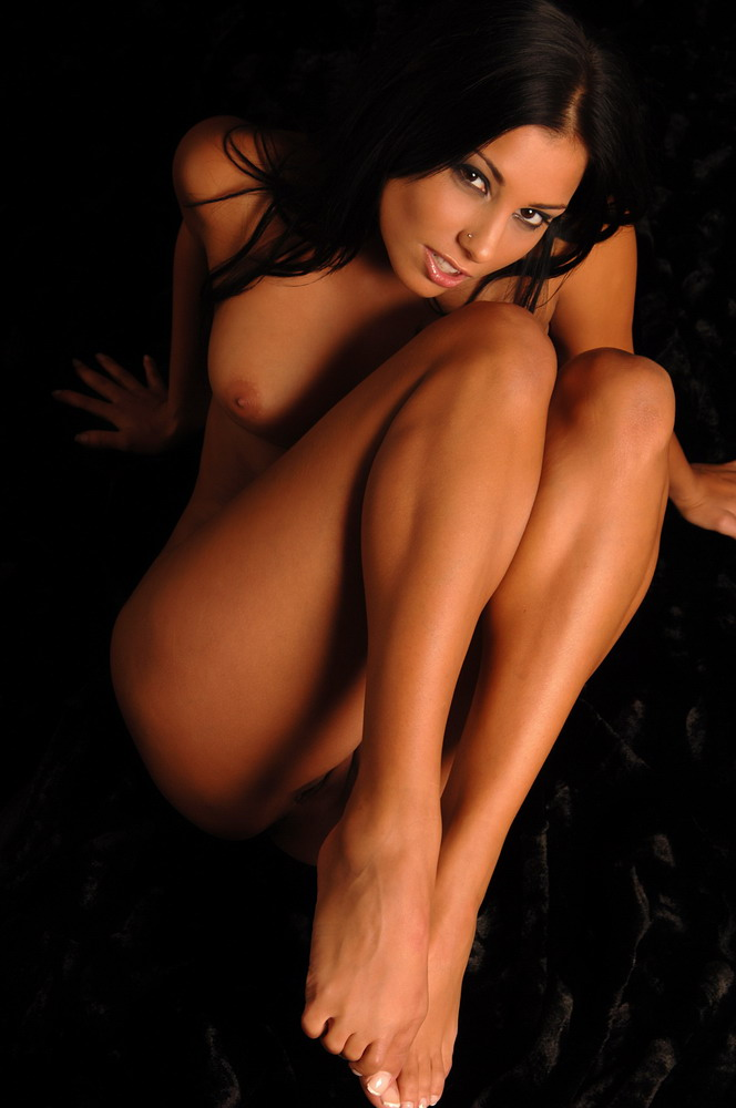 hotty stop a ta keys is one of the hottest nude models around