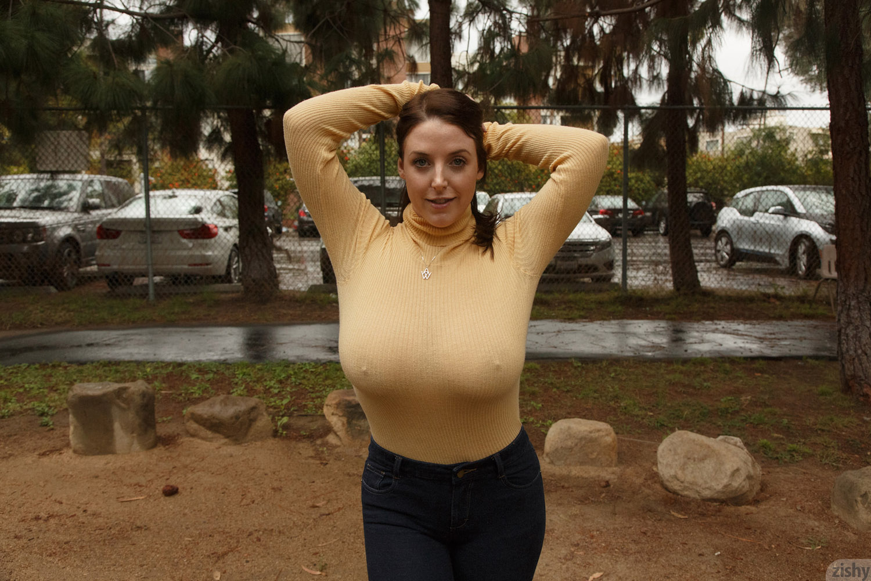 Boobs in public pics
