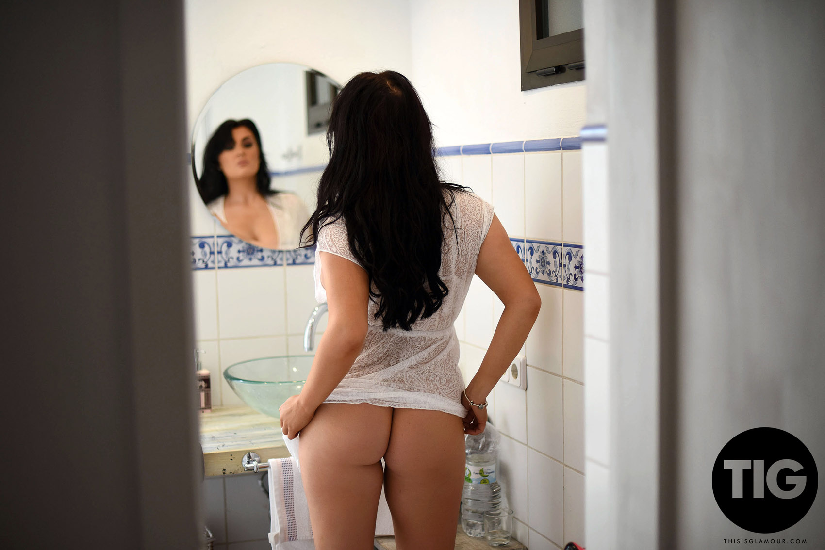 Ashleigh Gee Porno ashleigh gee nude bathroom this is glamour / hotty stop