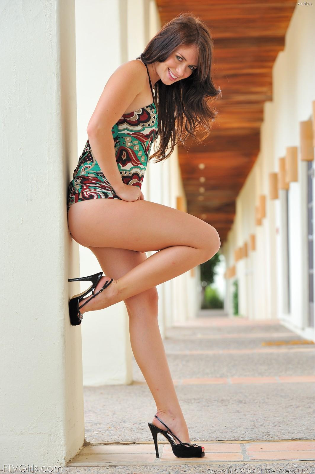 JESSIE: Ftv nude men and women
