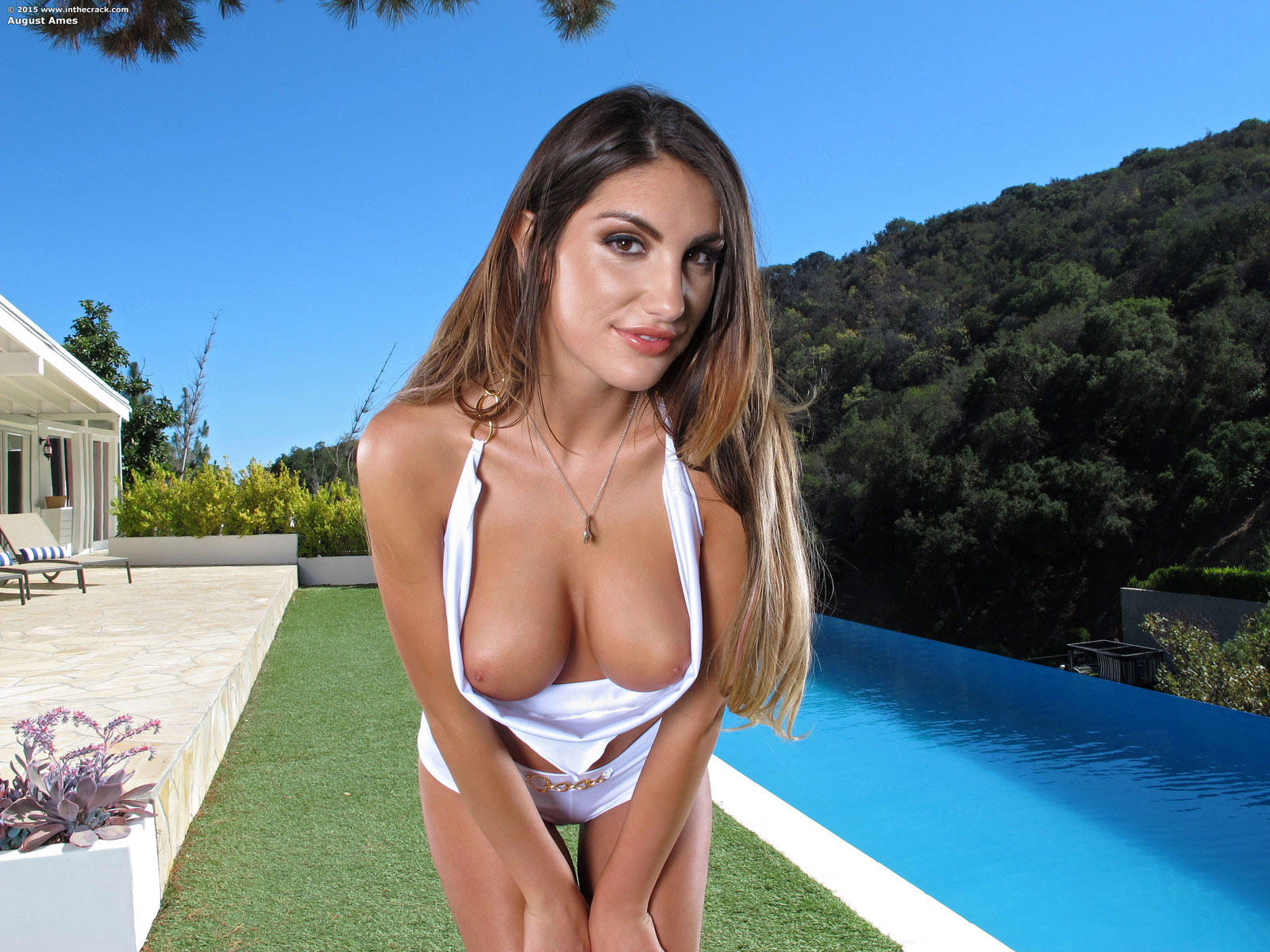 august ames poolside pussy in the crack / hotty stop