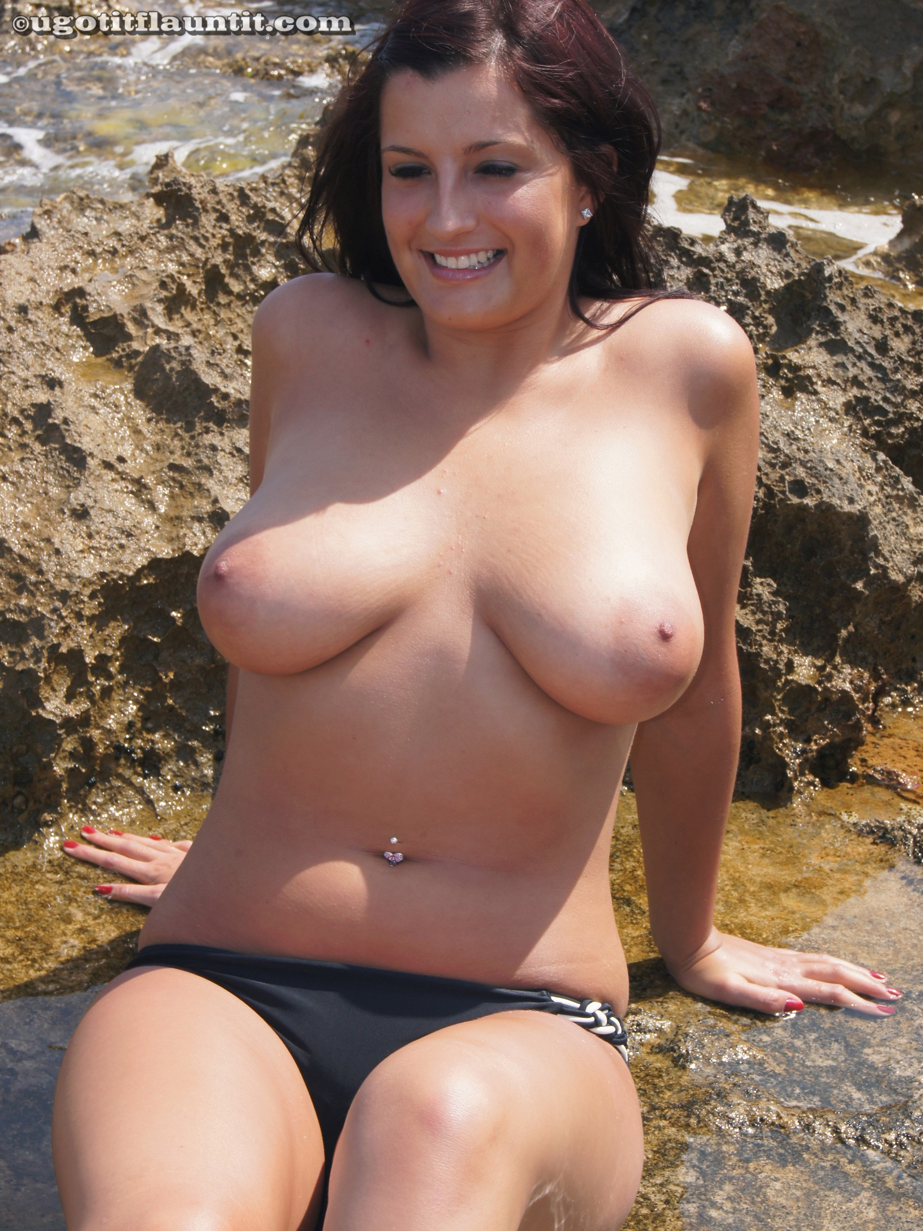 Big naked hooters video