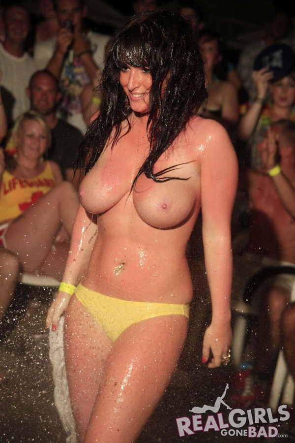 girl wet boobs big