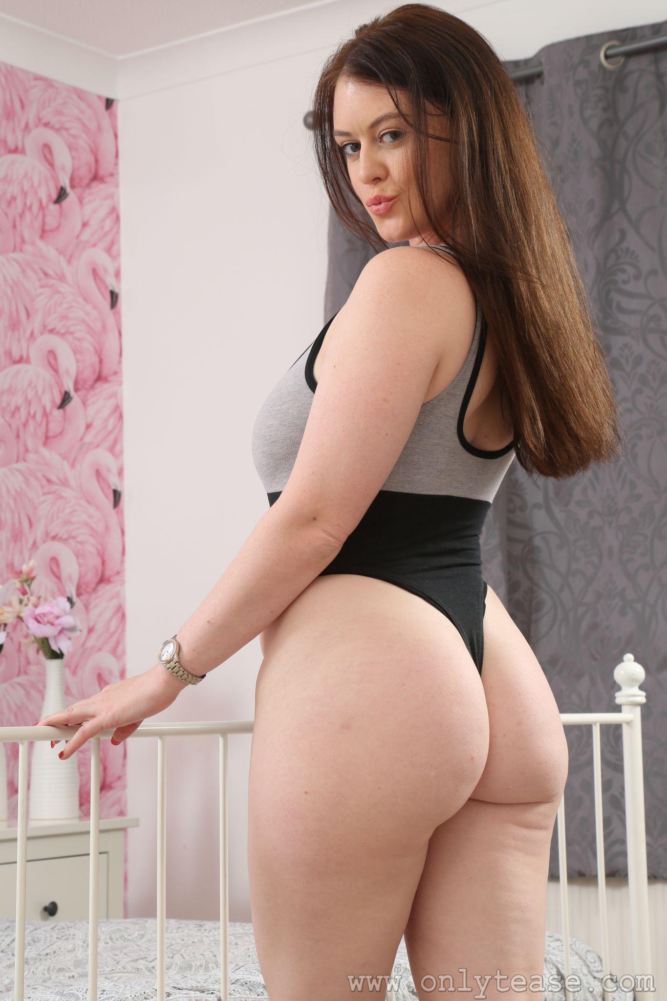 Big tit chubby girl