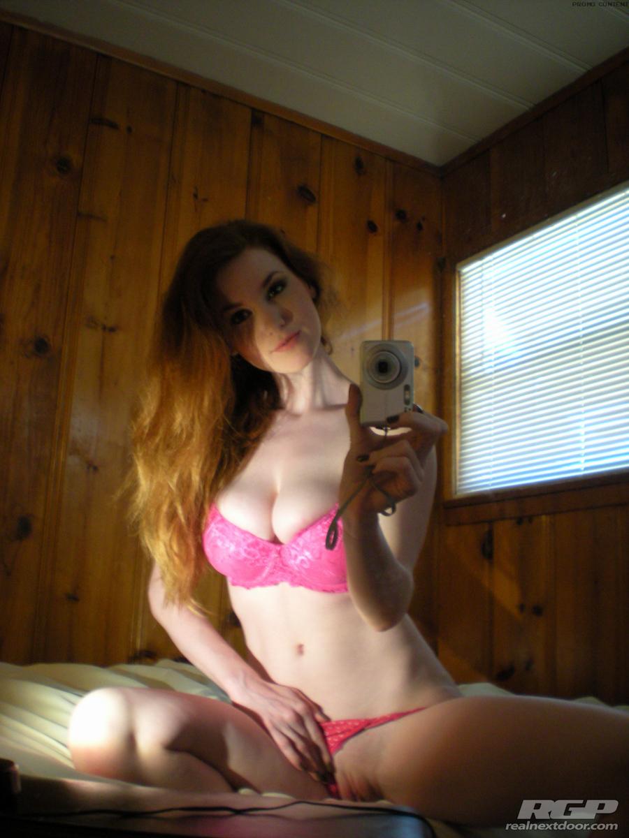 Beautiful teen tits tight shirt