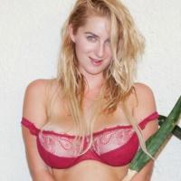 Cassie Becker Zishy