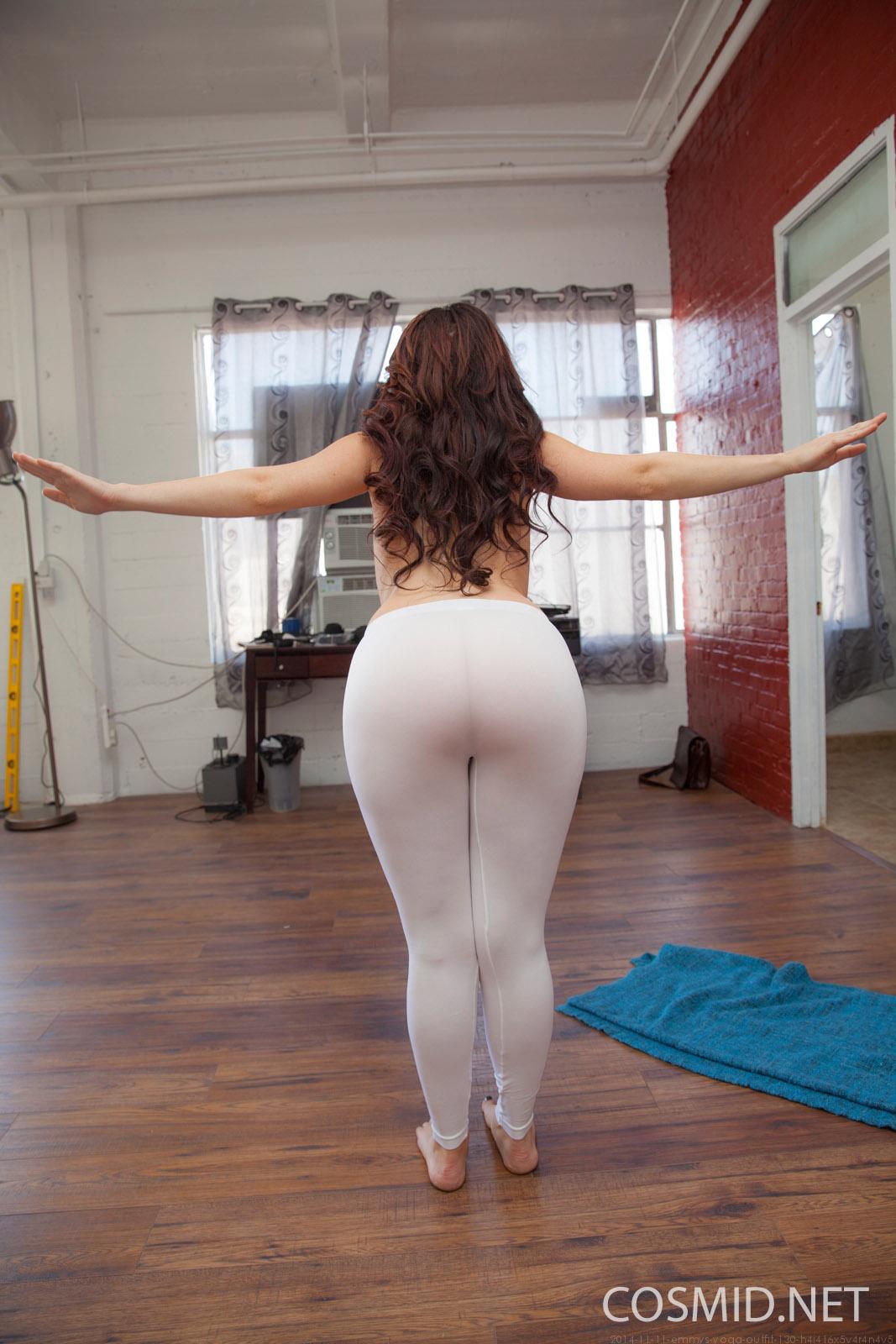 http://www.hottystop.com/emmy-sinclair-yoga-time-cosmid/11.jpg