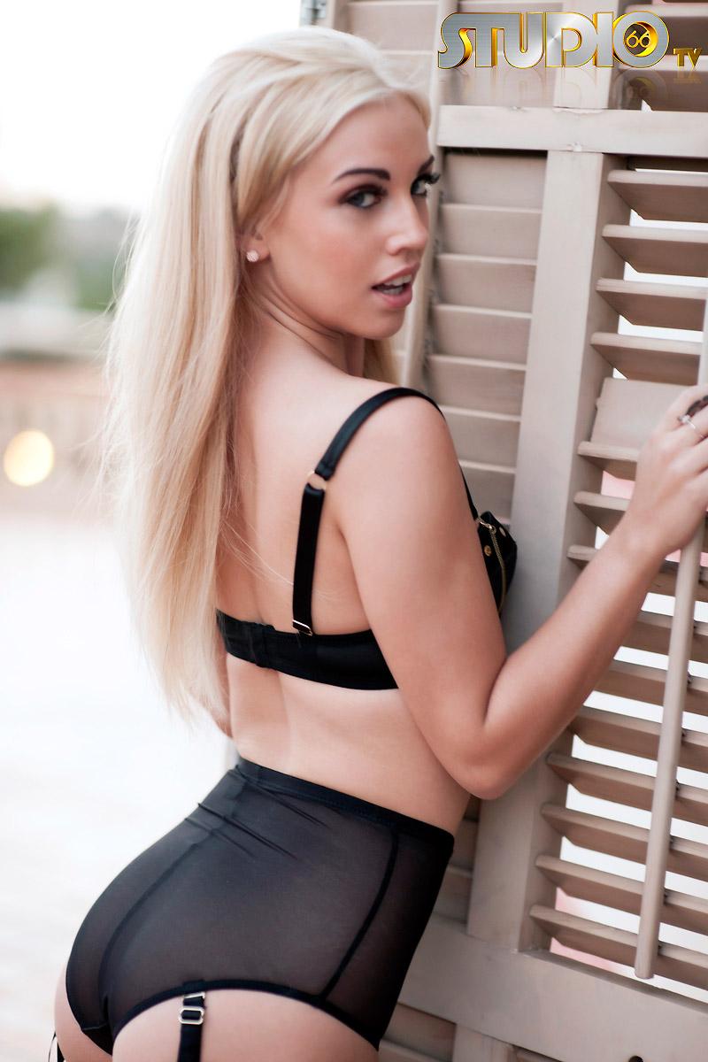 Hannah Martin Porn within hotty stop / hannah martin rooftop