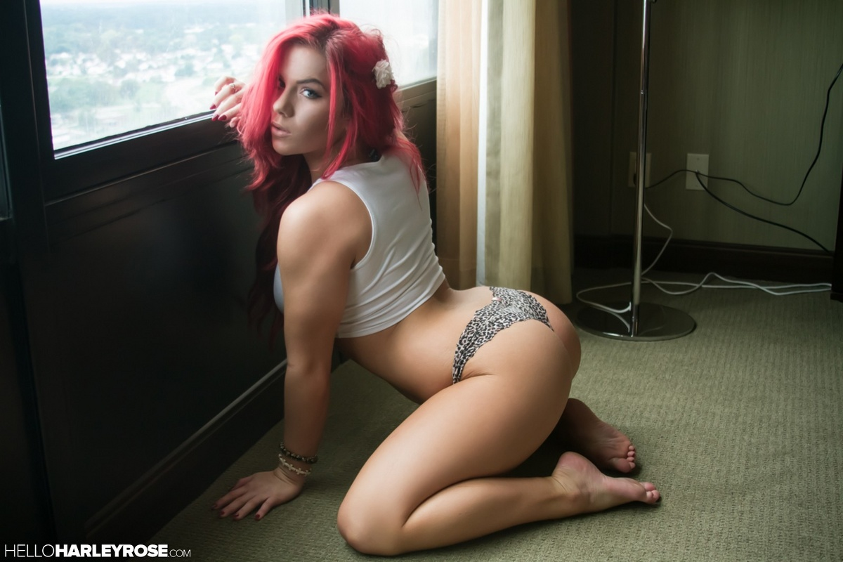 Pink haired webcam girl loves to spank herself amp masturbate