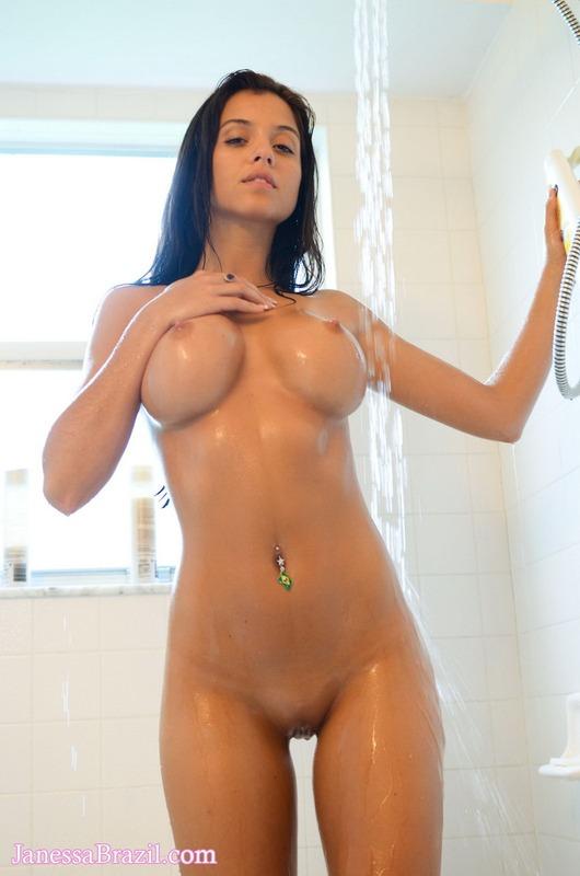 Colombian women in bed nud