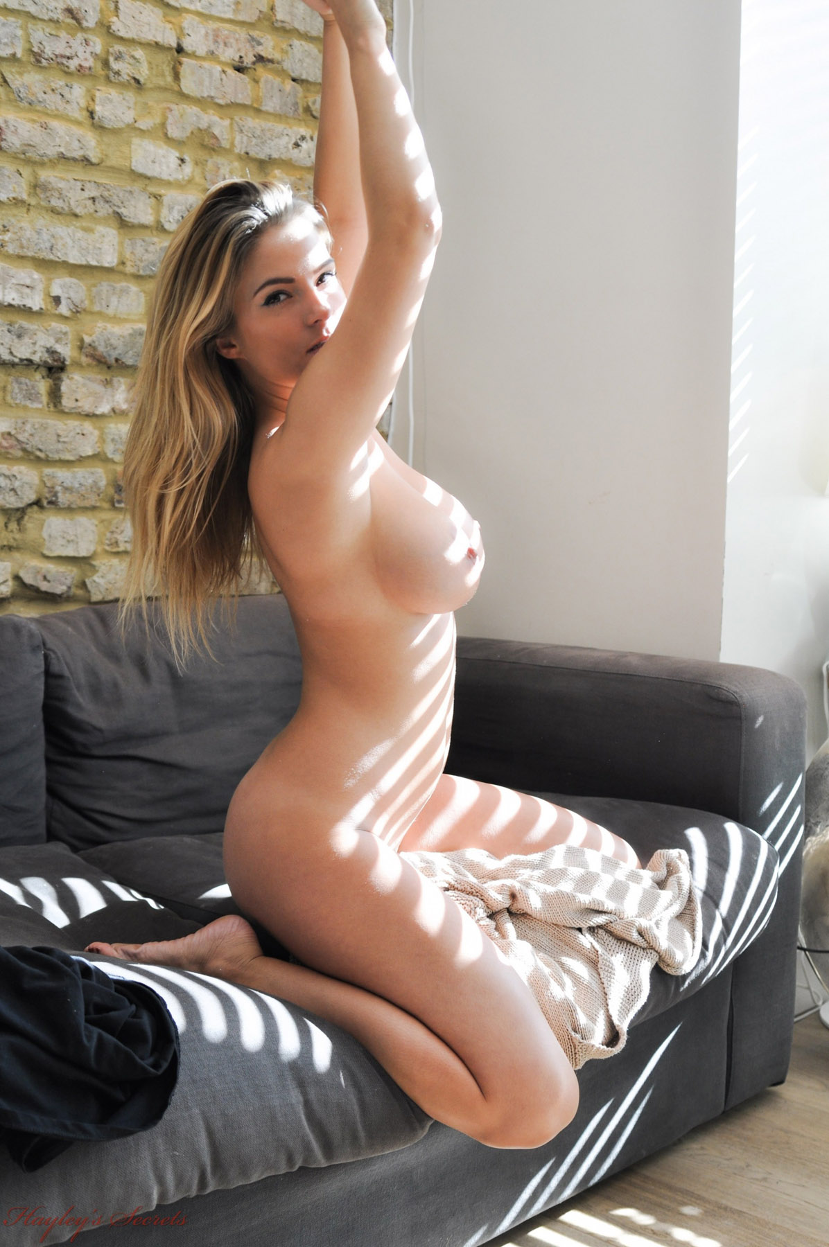 big ass with a finger inside nude