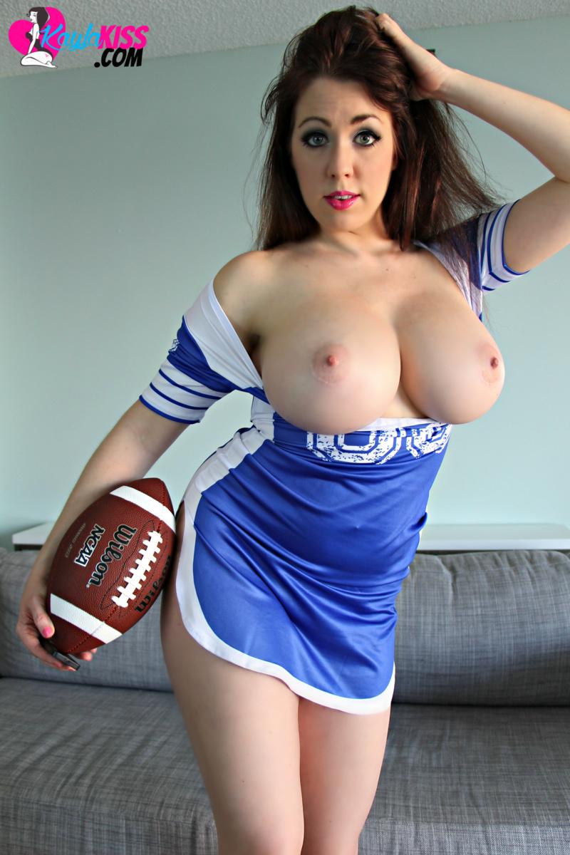 gallery Kayla kiss bigboobs