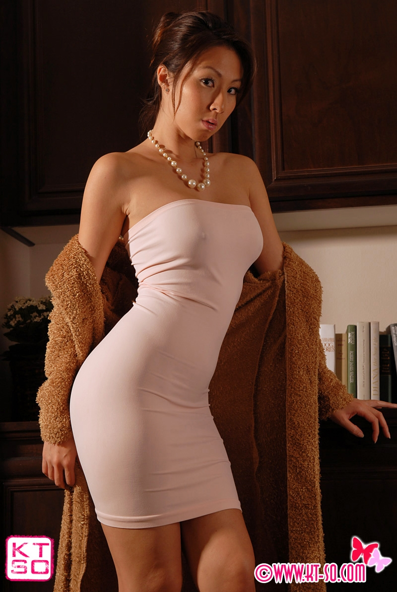 housewife in a sexy dress boned in her house : xxxbunker