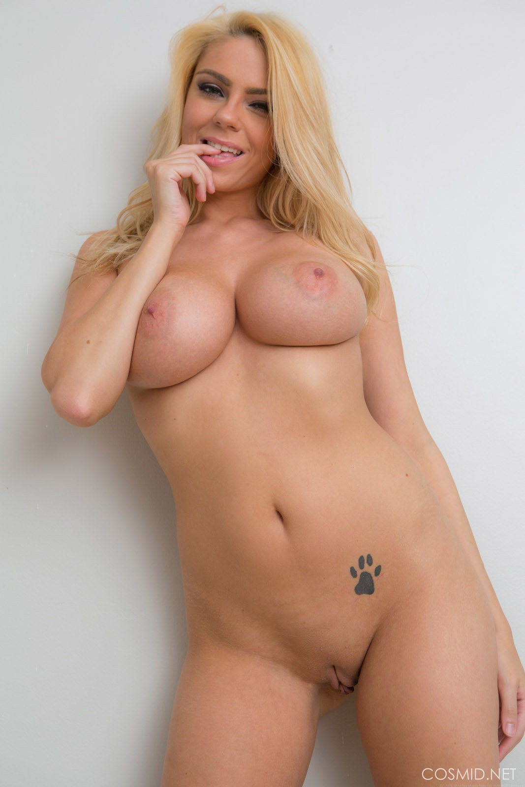 hairless pussy no tits
