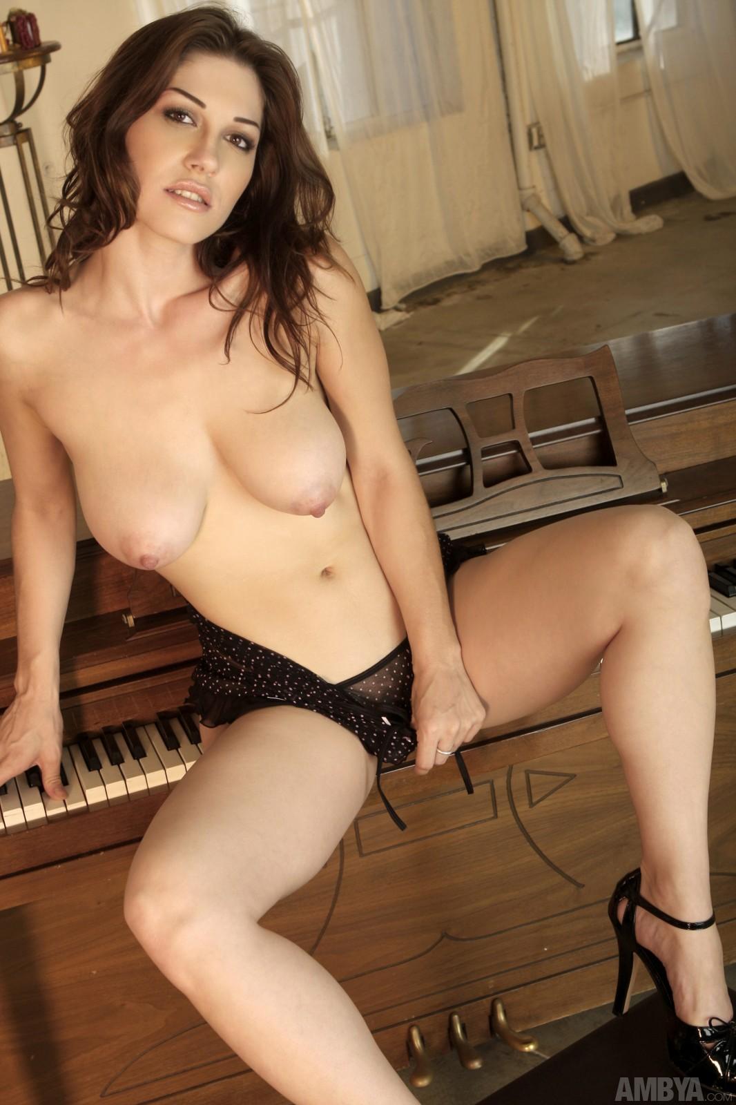 Photos of mature ladies with big boobs