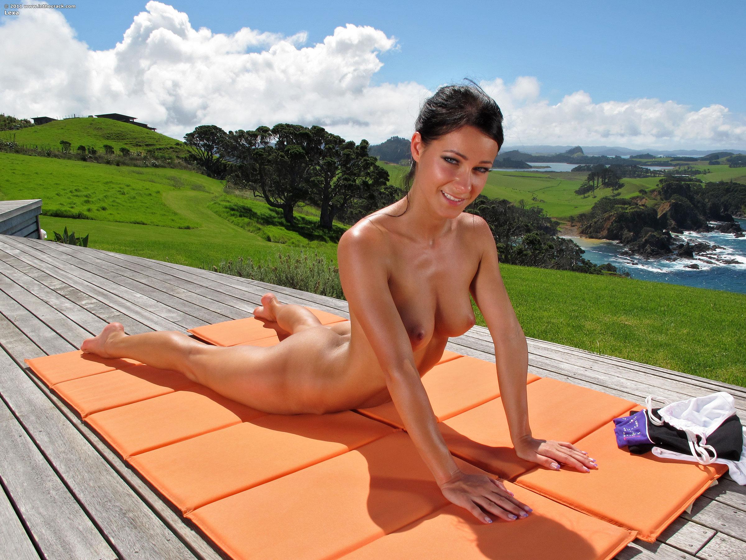 Melissa a nude yoga