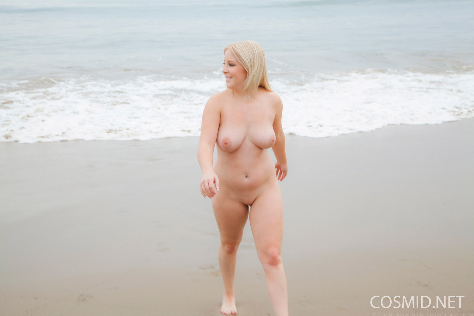 pale girls nude at the beach