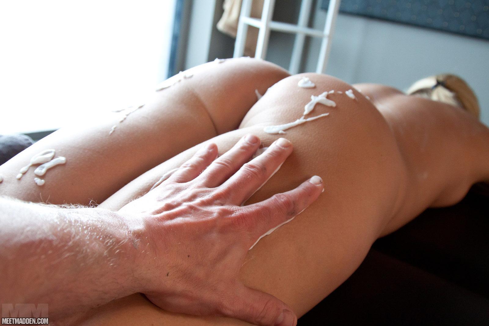 meet erotic massage places