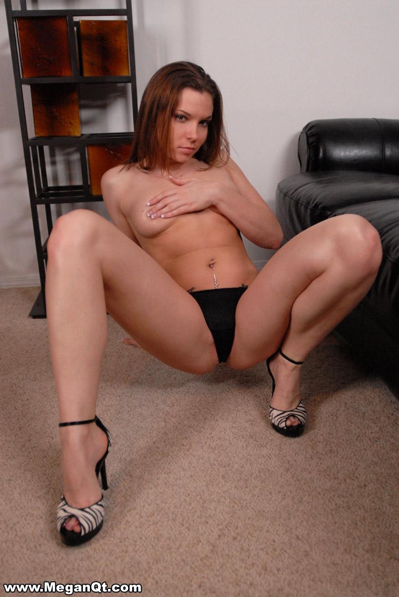 hot girl in thong bending over