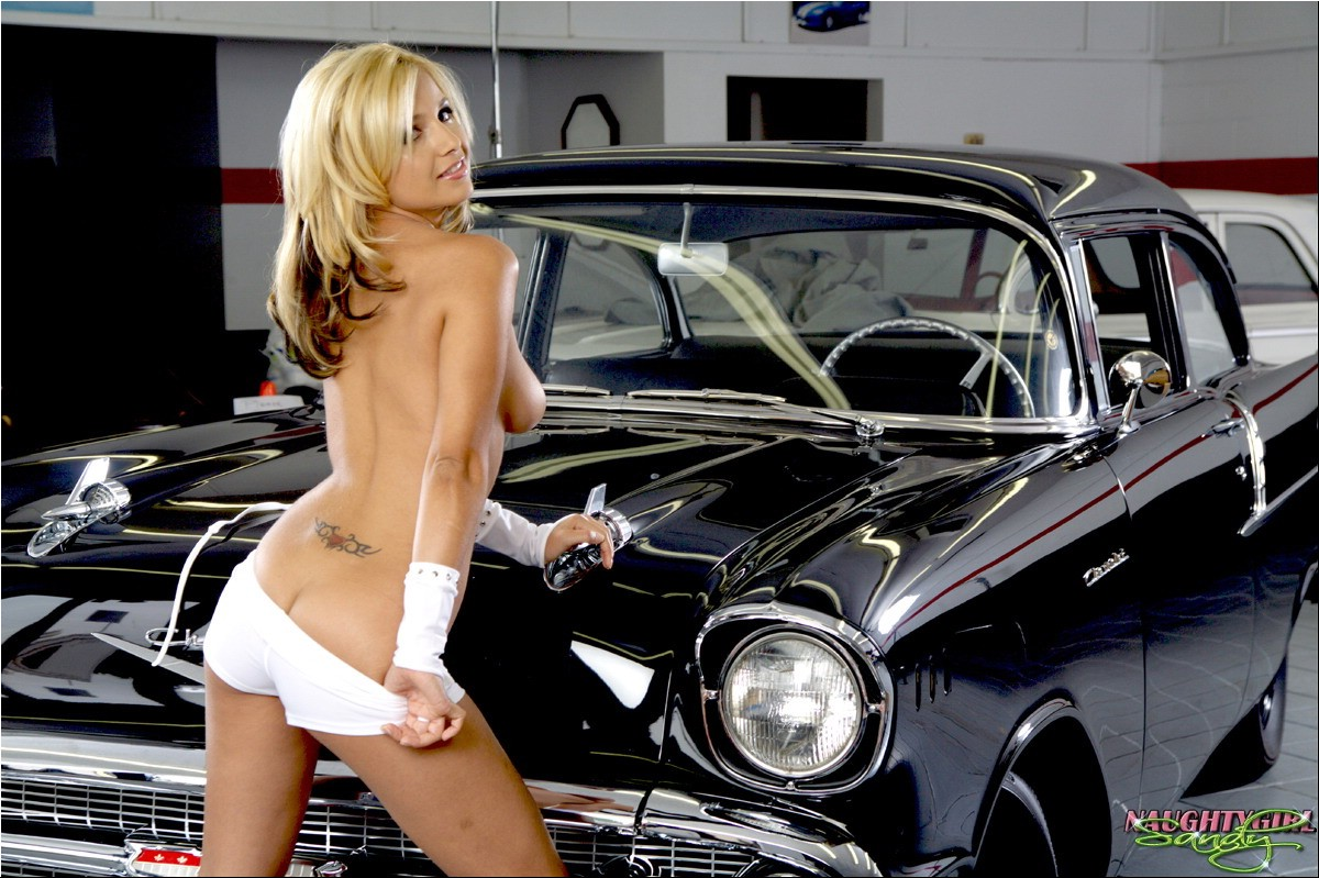 naughty girls and muscle cars