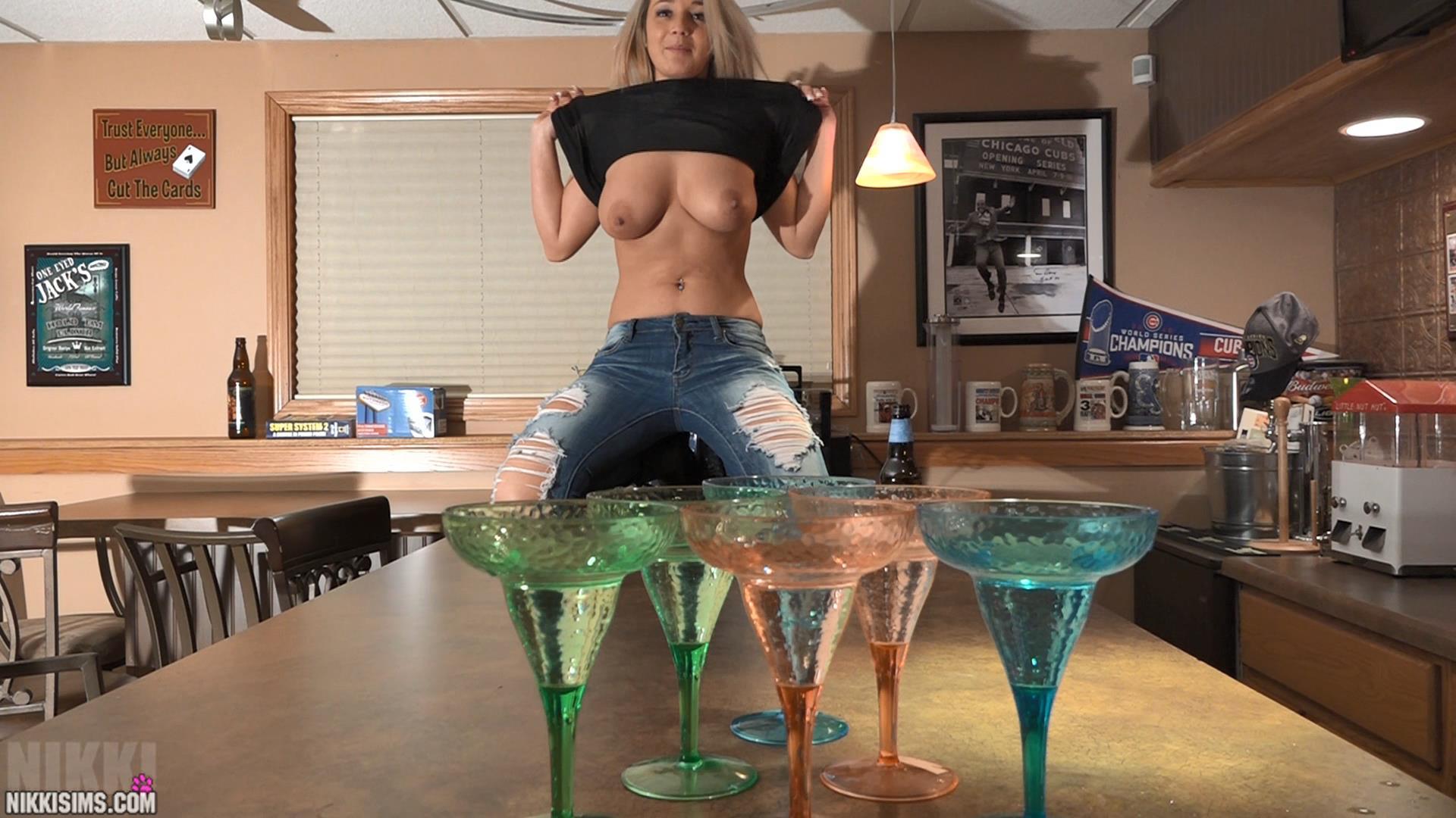 nikki sims topless beer pong / hotty stop