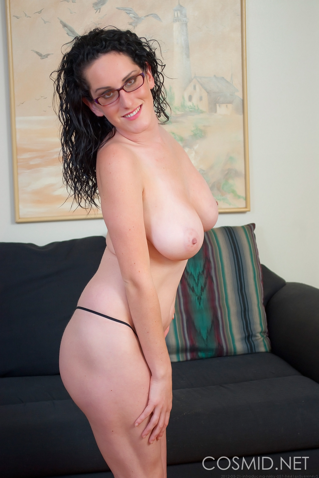 big glasses Cosmid tits