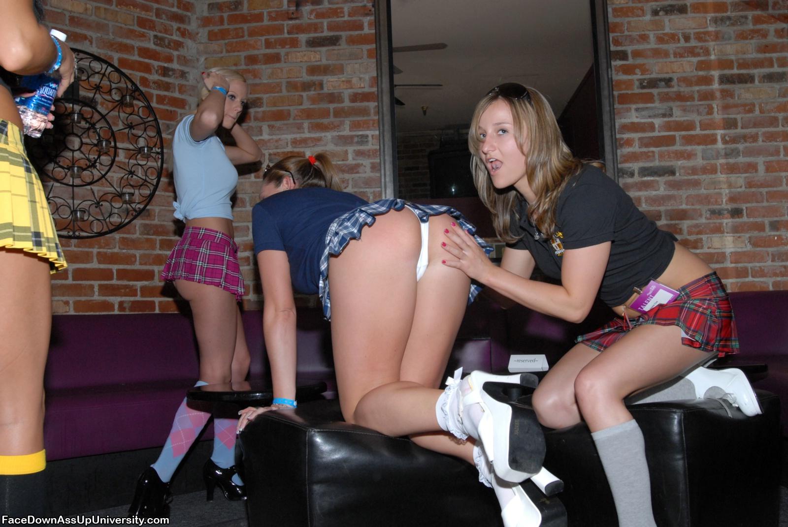 Free upskirt college girl porn galery