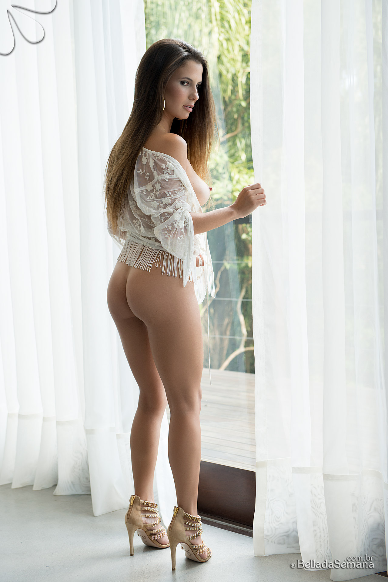 That ass looking good and my hommie agrees 9
