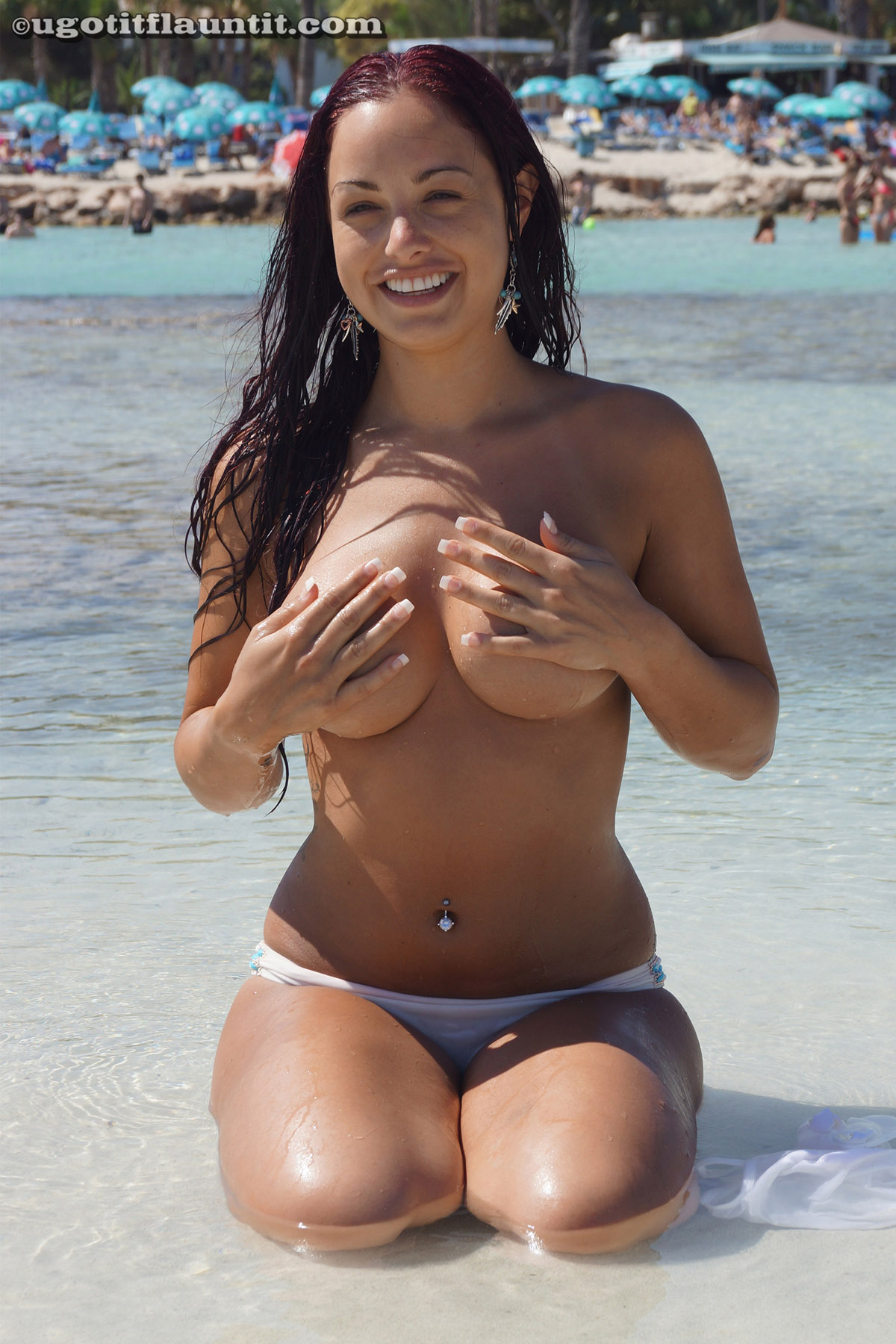Bikini beach boobs