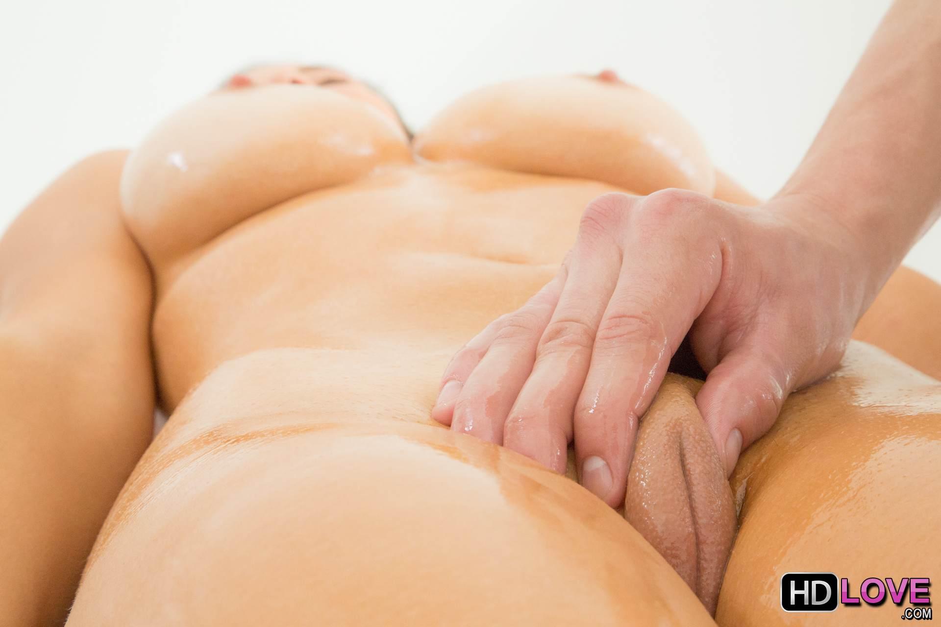 Naomi best ass video post