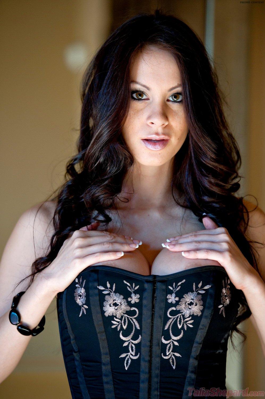 hottystop talia shepard corset 1