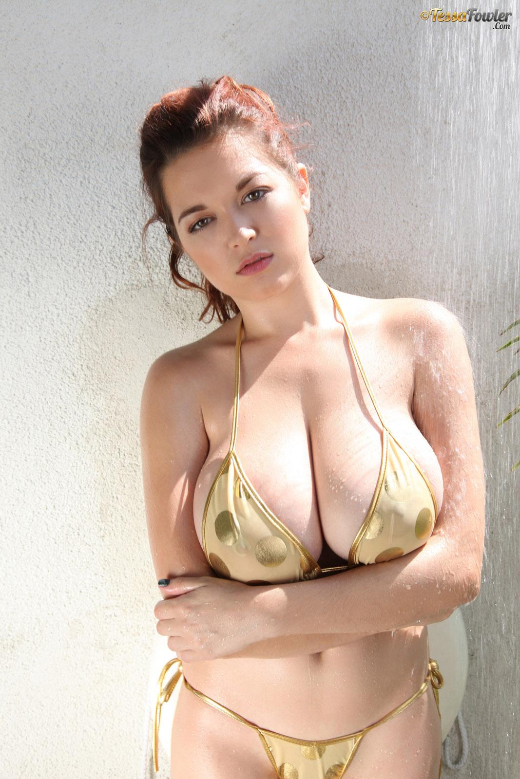 Tessa fowler bikini