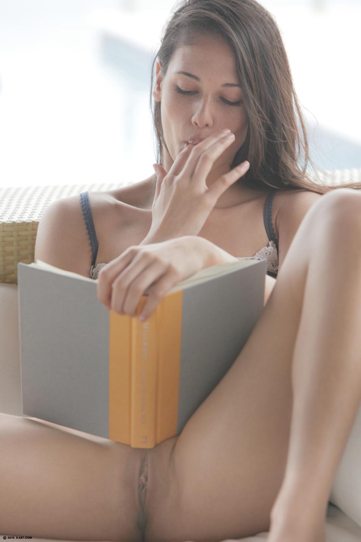 Sext young girl masturbating