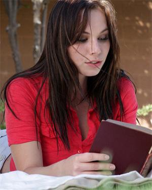 Aidra Fox Reading An Erotic Novel