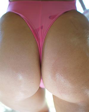 Alexis Pink Swimsuit Heaven