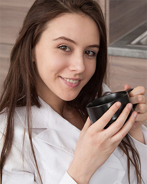 Alisa Amore Coffee Date