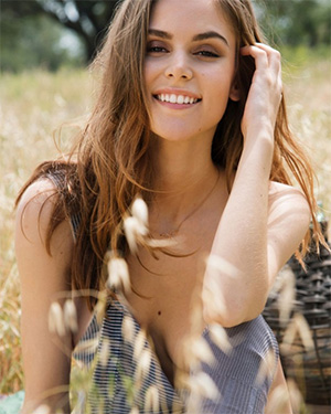 Amberleigh West naked playmate in the field