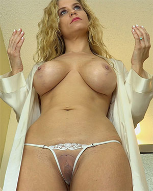 Anabelle Pync Lingerie Candy Girl Video